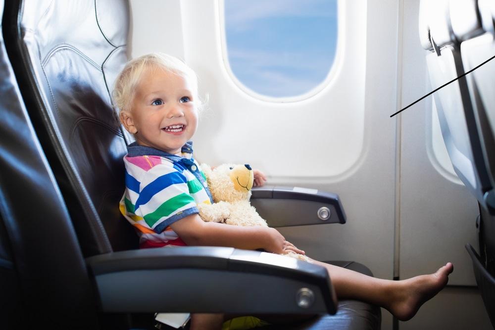 Met de kids op vliegvakantie