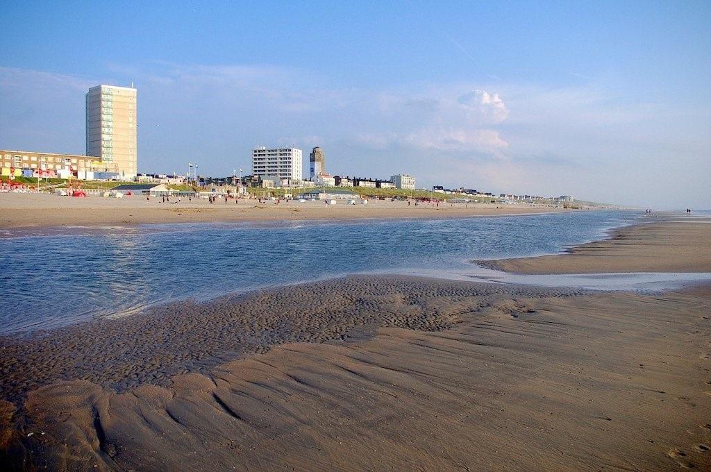Dit zijn de leukste stranden van Nederland
